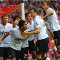 Rafael+Da+Silva+Liverpool+v+Manchester+United+5d4_qJcU96xl