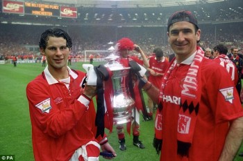 Giggs & Cantona with FA Cup Trophy at Wembley