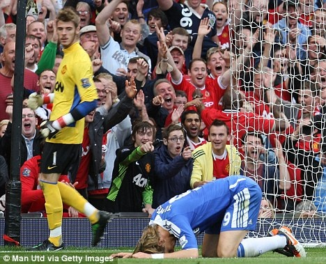 Torres laughed at after missing open goal at OT