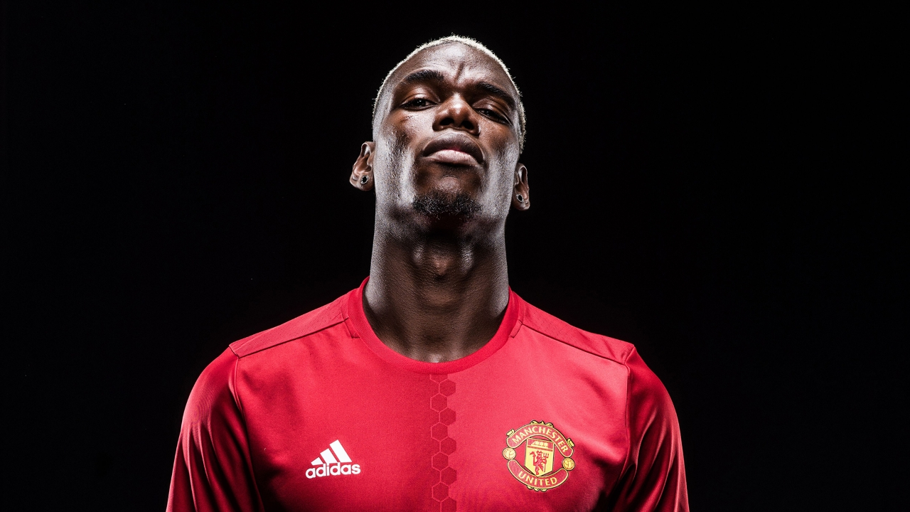 Photo: Paul Pogba in Manchester United shirt